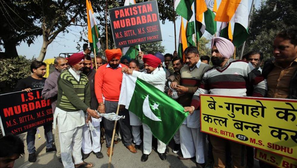 Nuevo ataque contra la base de las Fuerzas Aéreas indias en Pathankot