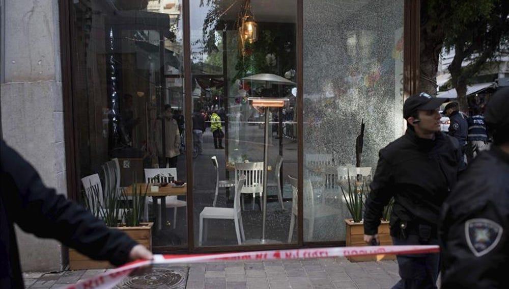 Sigue la búsqueda del sospechoso del ataque a un local en Tel Aviv