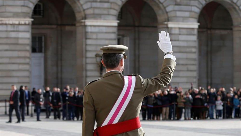 Felipe VI, a su llegada para celebrar la Pascua Militar