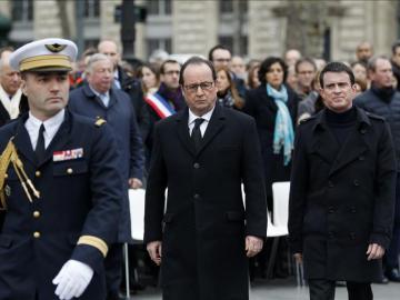 Las autoridades rinden sobrio homenaje a las víctimas del terrorismo en París
