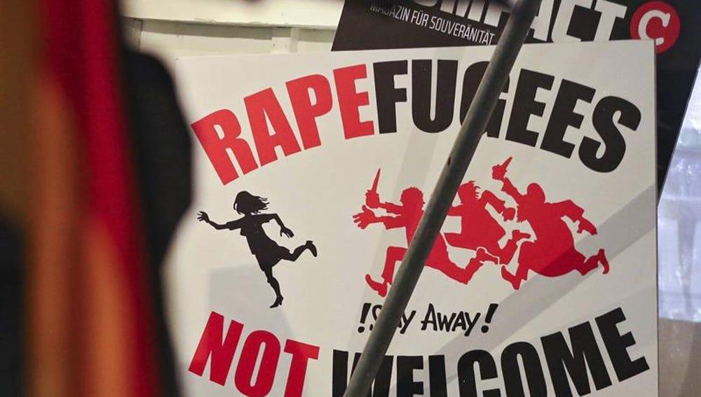 Cartel de ofensa a los refugiados