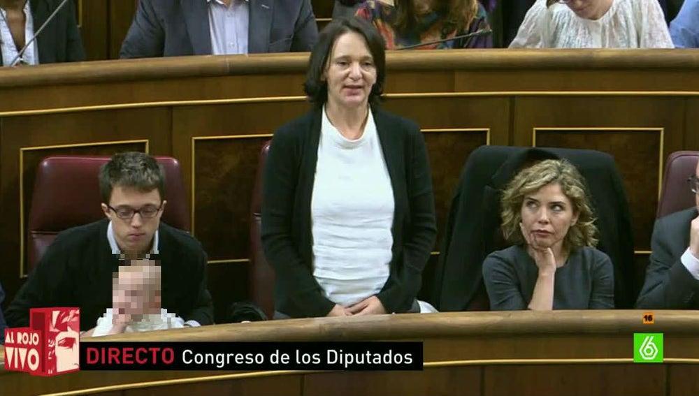 Carolina Bescansa, diputada de Podemos, promete su cargo