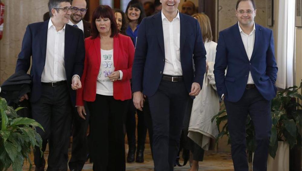 Patxi López, Micaela Navarro, Pedro Sánchez y César Luena en el Congreso