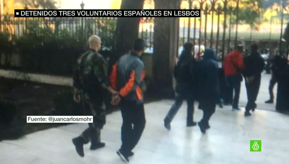 Voluntarios detenidos en Lesbos