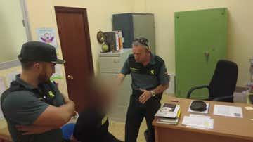 Los agentes detienen a un padre por un delito de presuntos malos tratos