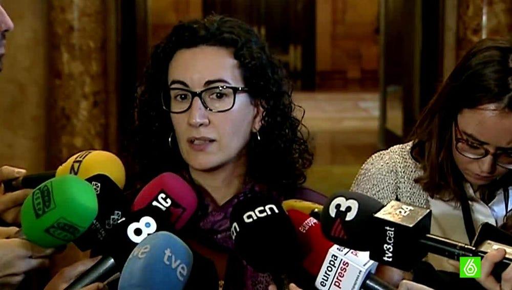 Marta Rovira habla con los periodistas