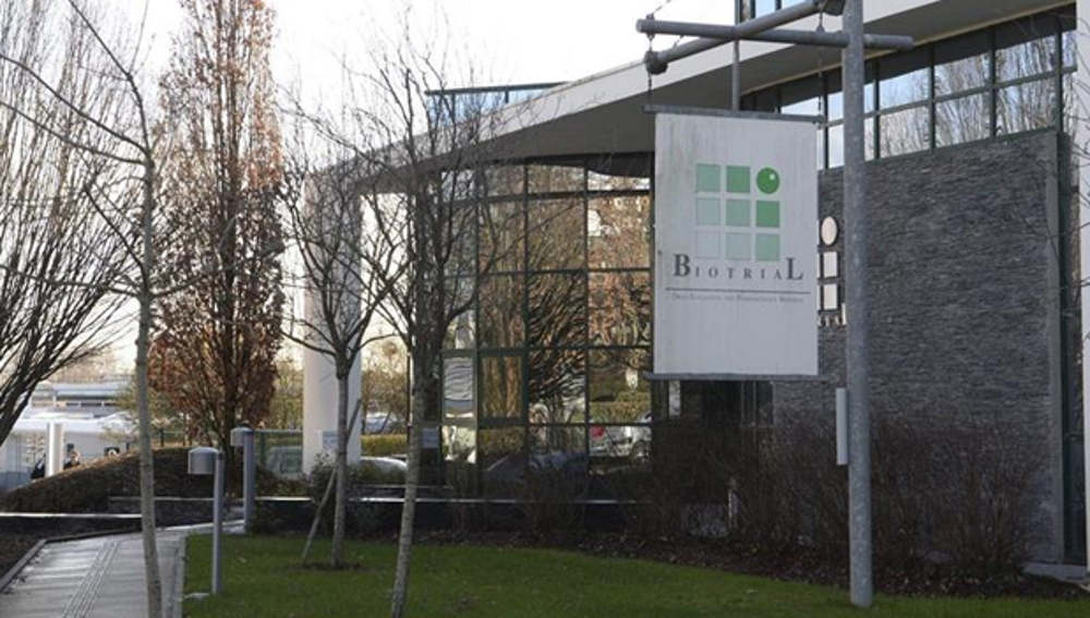 Fachada del edificio de los laboratorios Biotral en Rennes