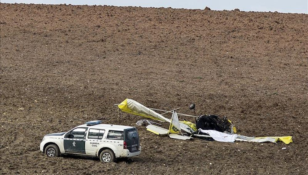 Un muerto y un herido en un accidente de un ultraligero en Trebujena (Cádiz)