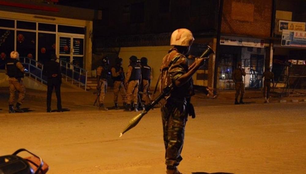 El asalto al hotel de Burkina deja 27 muertos, entre ellos, cuatro yihadistas y una treintena de heridos