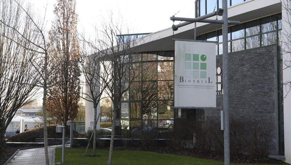 Fachada del edificio de los laboratorios Biotral en Rennes (Francia)