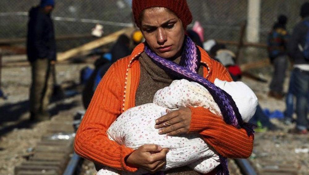 Una refugiada con su bebé