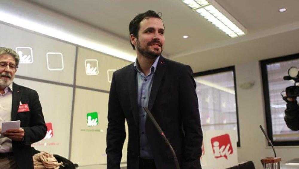 Alberto Garzón en una rueda de prensa