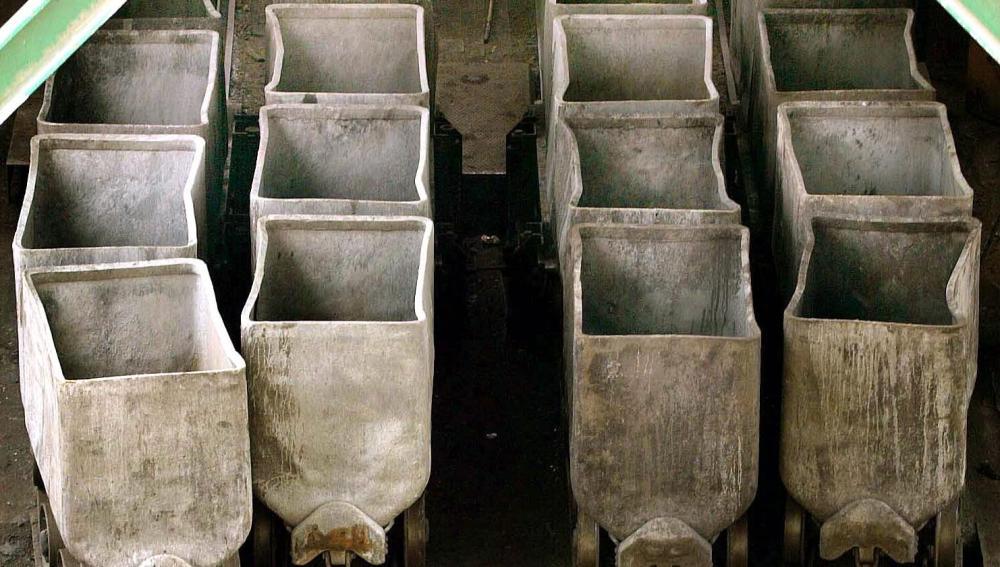 Vista de las vagonetas de una mina asturiana ( archivo).