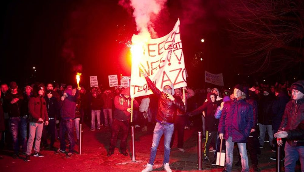 Protesta contra la apertura de un centro de refugiados en Heesch
