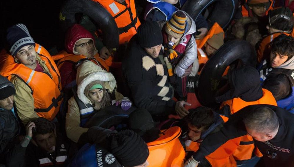 Refugiados sirios en la barcaza