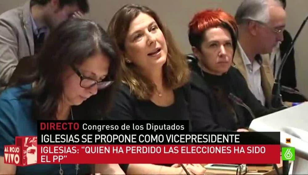 Periodista en la rueda de prensa de Podemos