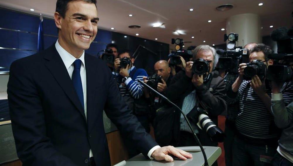 El secretario general del PSOE, Pedro Sánchez, durante la rueda de prensa en el Congreso