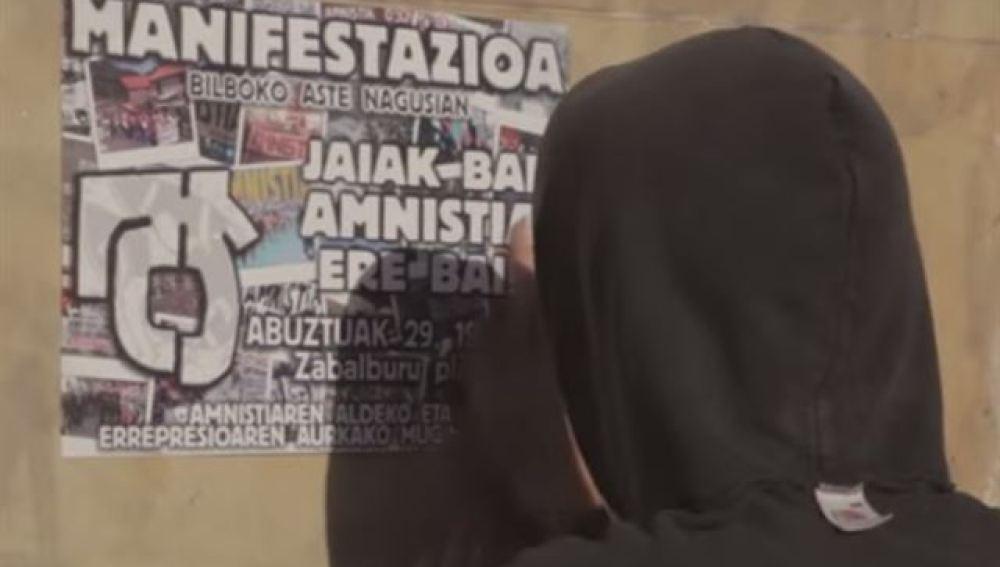 """El ala dura abertzale carga contra Sortu por su mensaje a los presos de ETA: """"Les exigen renunciar a lo que son"""""""