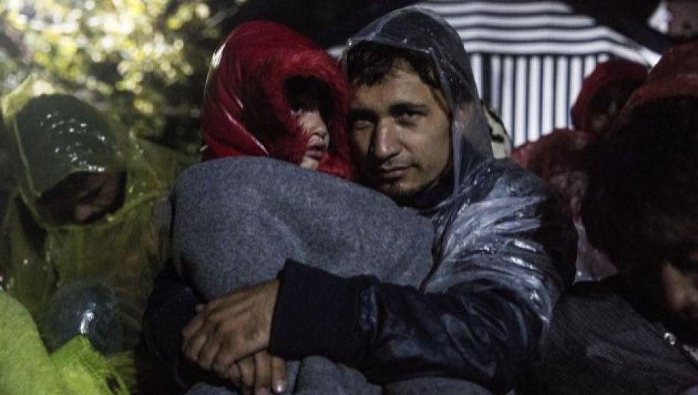 Una refugiada siria muere de frío tras atravesar la frontera con el Líbano
