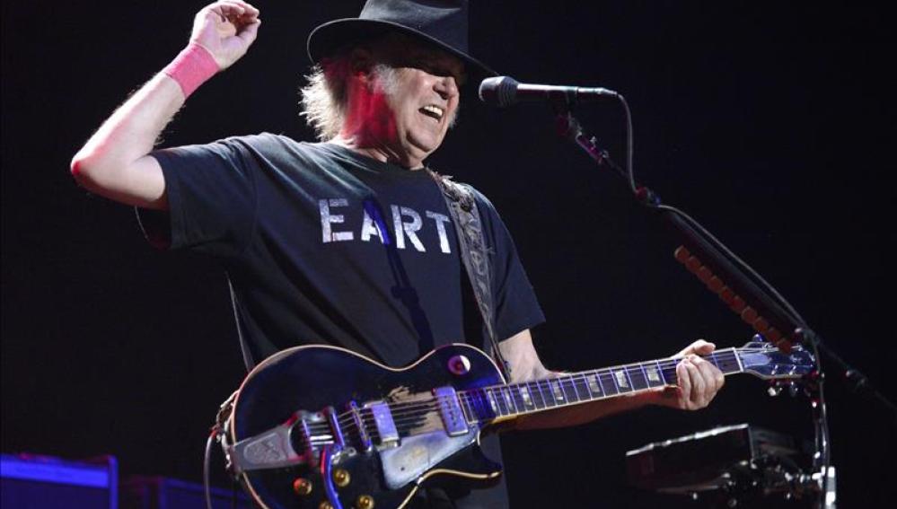 Neil Young, en una foto de archivo