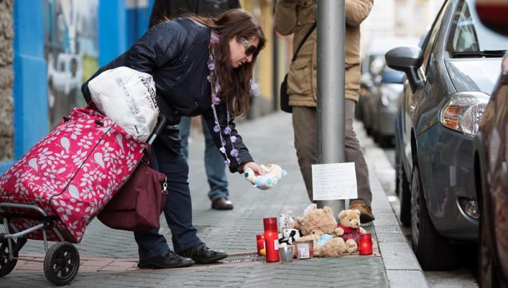Homenaje a la niña fallecida en Vitoria