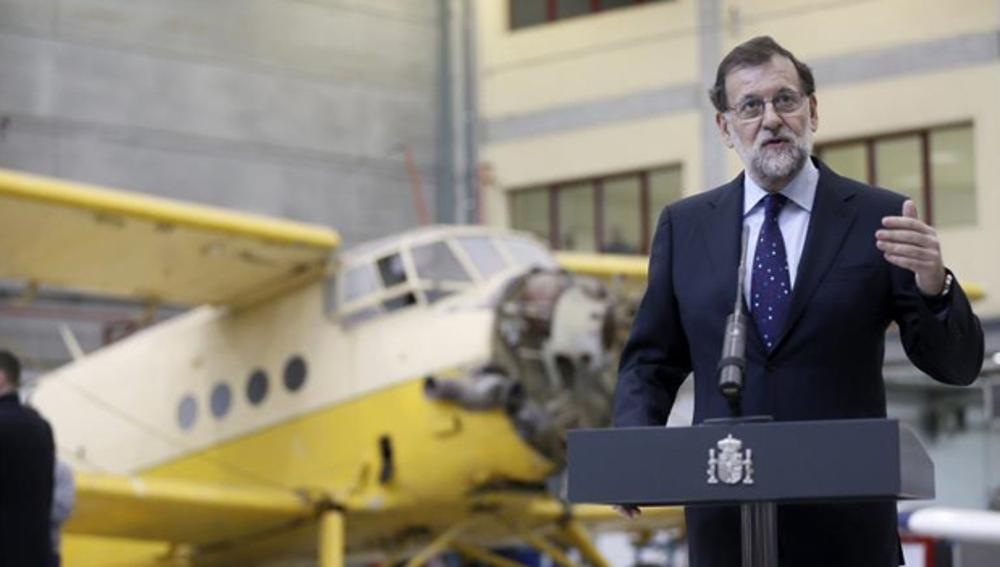 Mariano Rajoy en su visita a un centro de FP