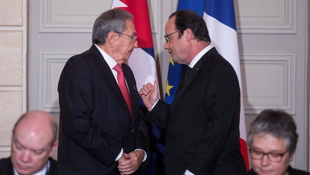 Raúl Castro y François Hollande