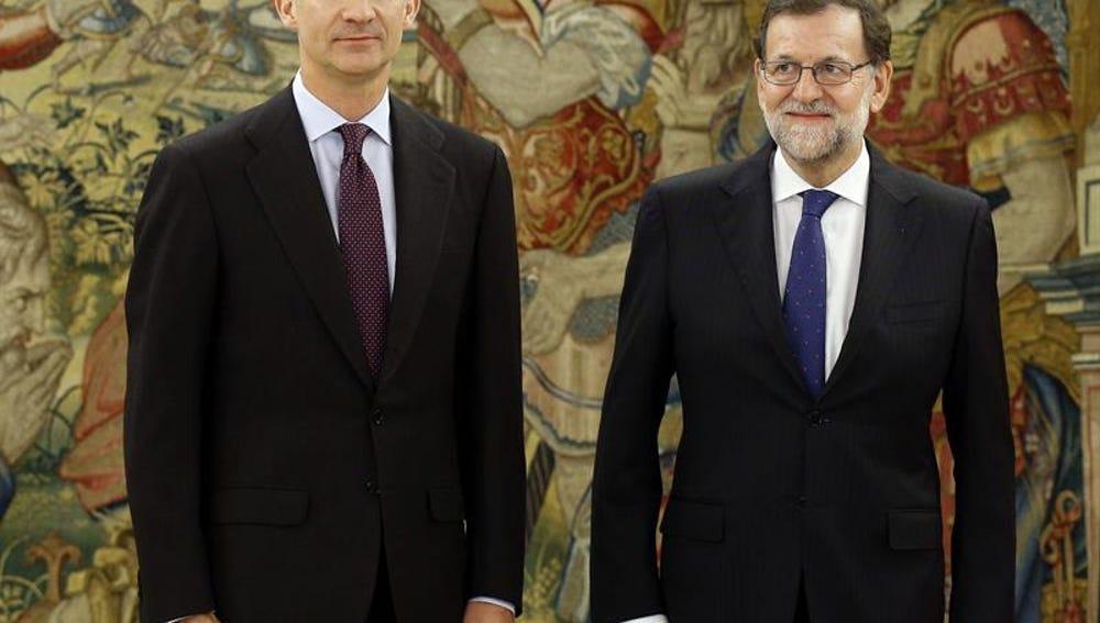 Felipe VI junto a Mariano Rajoy