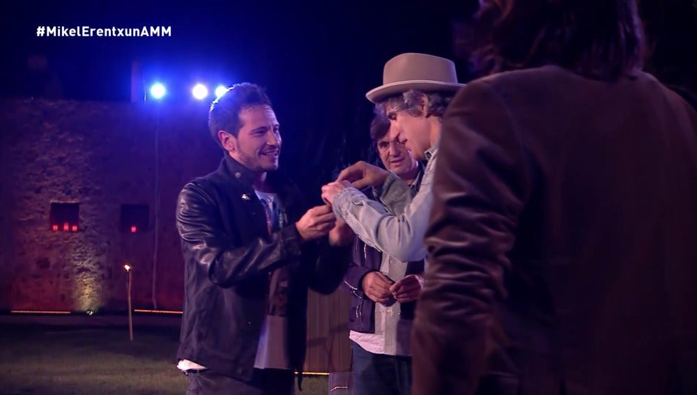 Intercambio de púas entre David DeMaría y Mikel Erentxun