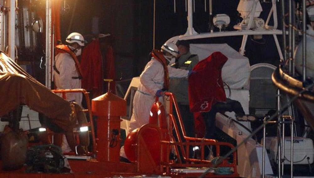 Rescate de varias personas en aguas de Granada