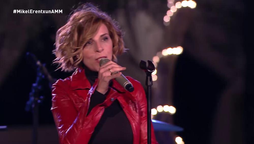 Sole Giménez canta 'No puedo evitar'