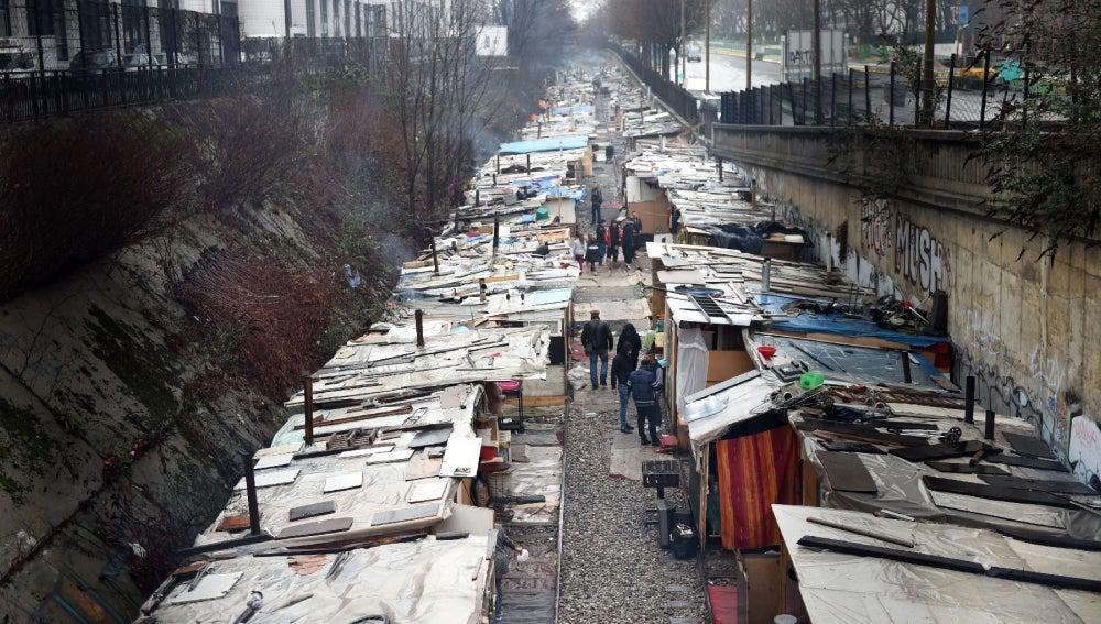 Imagen del campamento de chabolas que ha sido desalojado al norte de París