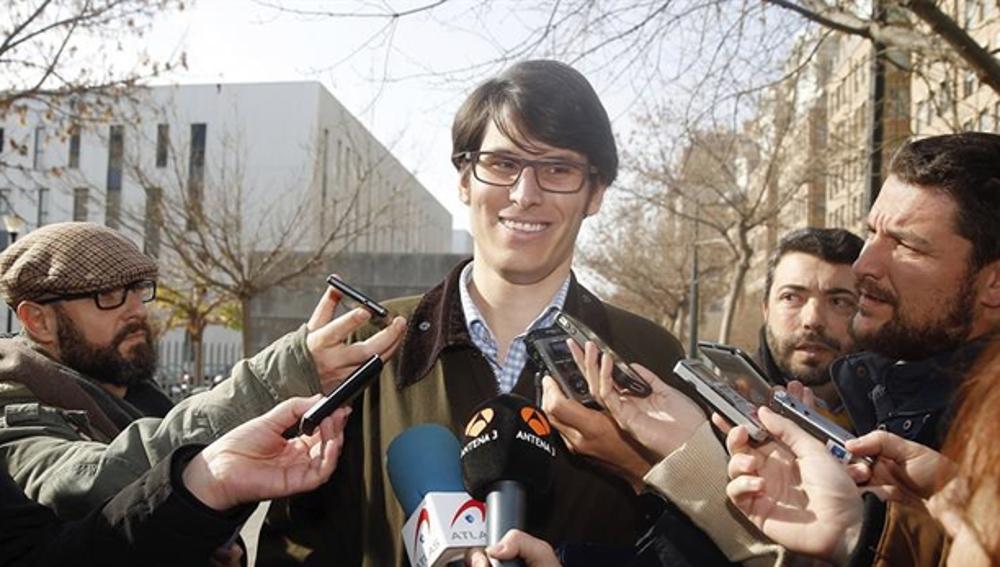 Luis Salom ante los medios