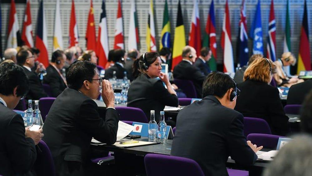 """Delegados asisten a la Conferencia """"Apoyo a Siria en la Región"""" en Londres"""