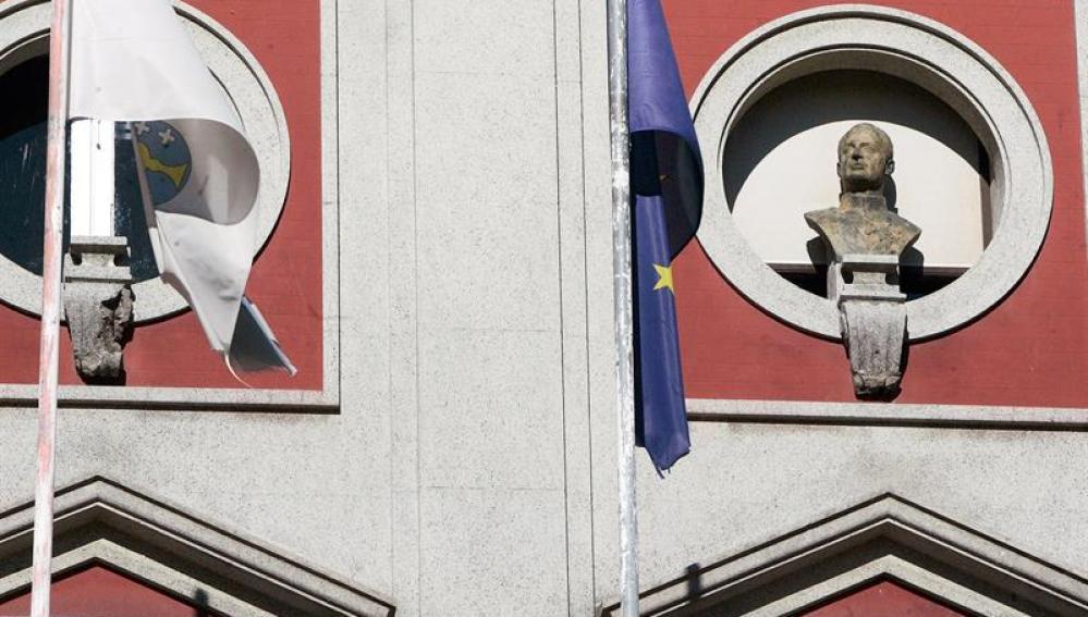 ista del busto del rey emérito Juan Carlos I en el Ayuntamiento de Ferrol