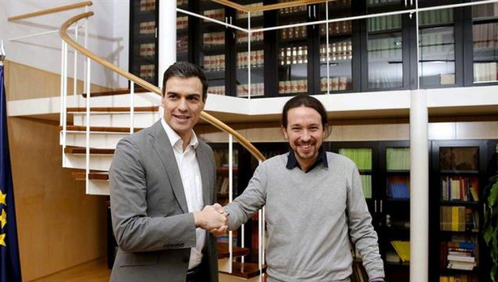 Pedro Sánchez y Pablo Iglesias antes de sus conversaciones