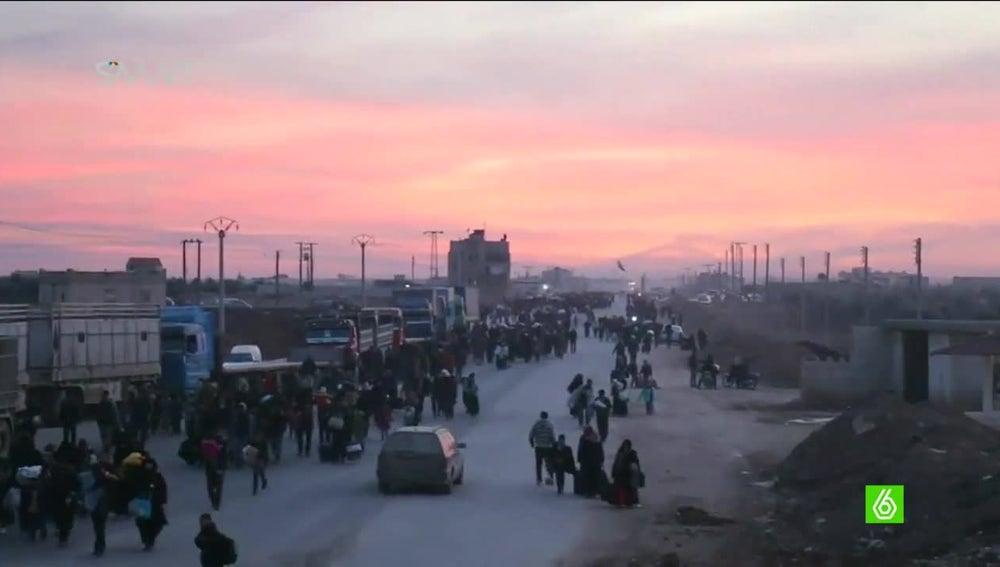 Refugiados huyendo de los ataques de Al Assad y Rusia en Alepo
