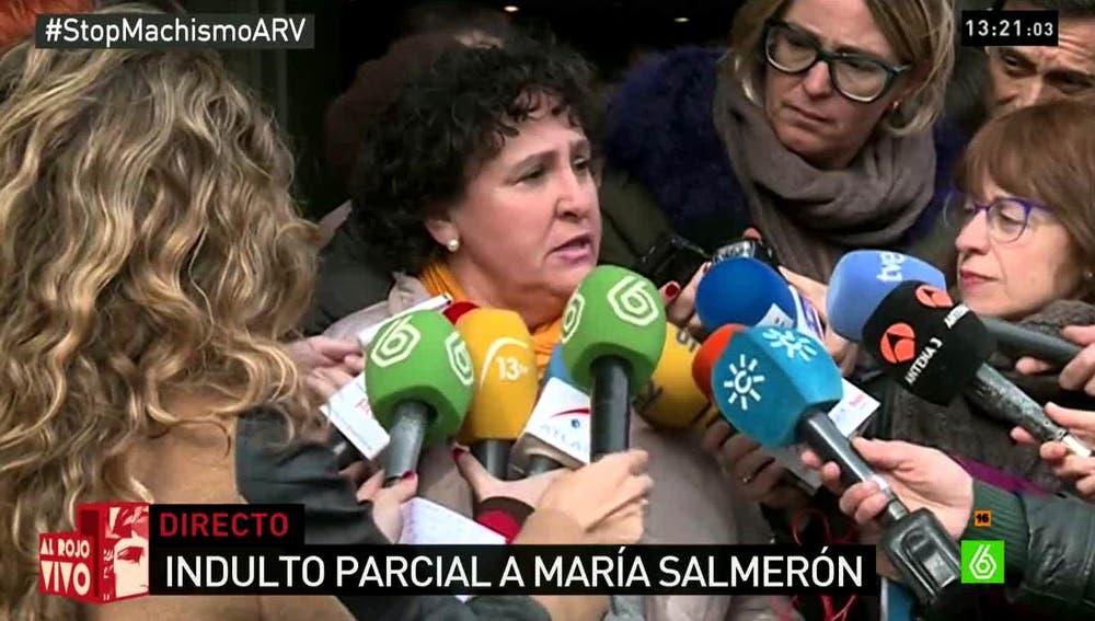 María Salmerón habla con los medios