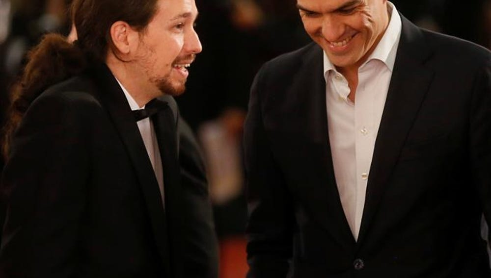 Pablo Iglesias y Pedro Sánchez en la alfombra roja de los Premios Goya