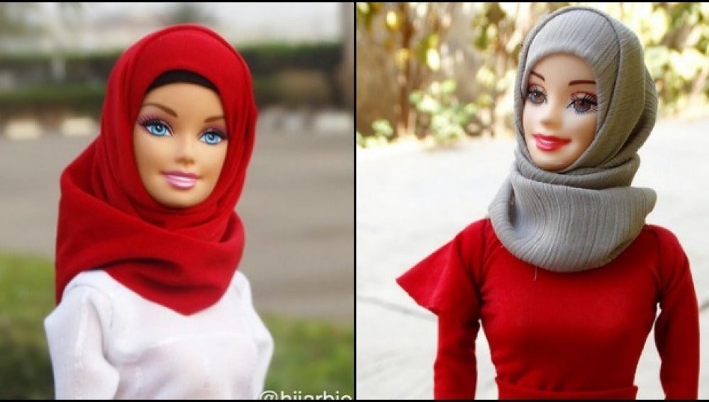 Dos modelos de la muñeca 'hijarbie'