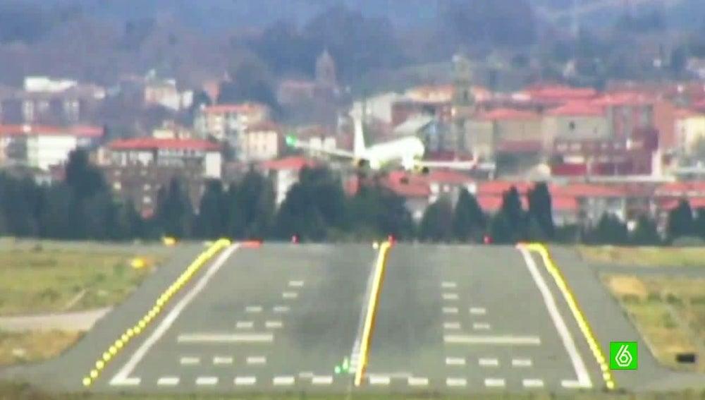 El avión tuvo que ser desviado porque no podía aterrizar