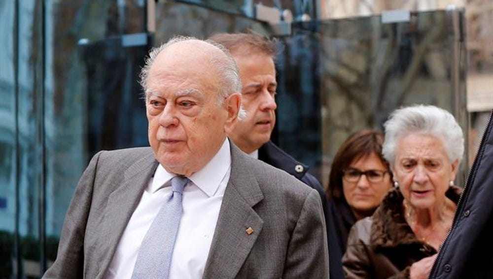El expresident de la Generalitat Jordi Pujol y su esposa