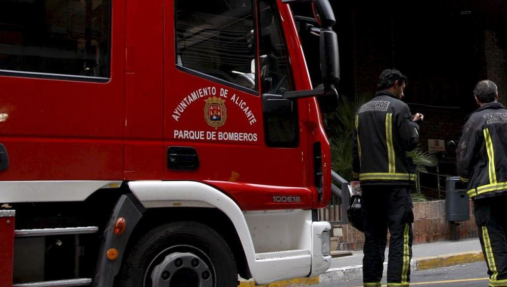 Efectivos de bomberos en Alicante
