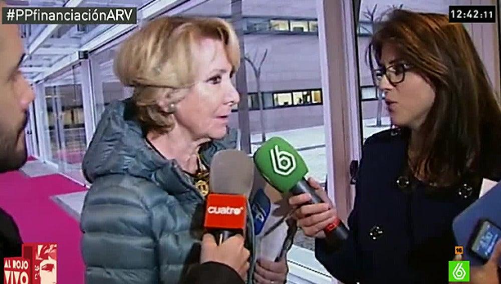 Esperanza Aguirre habla con los medios