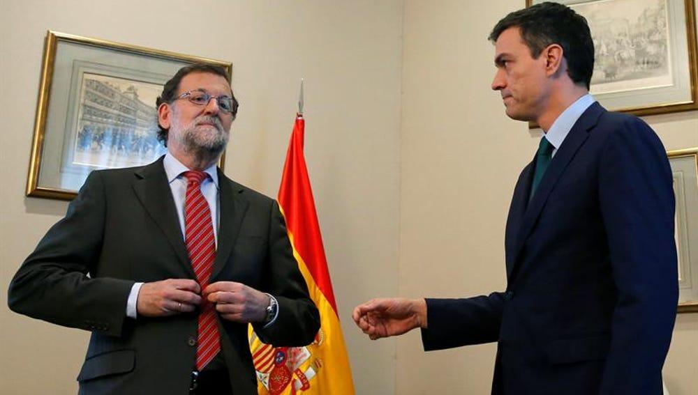 Frío encuentro entre Mariano Rajoy y Pedro Sánchez