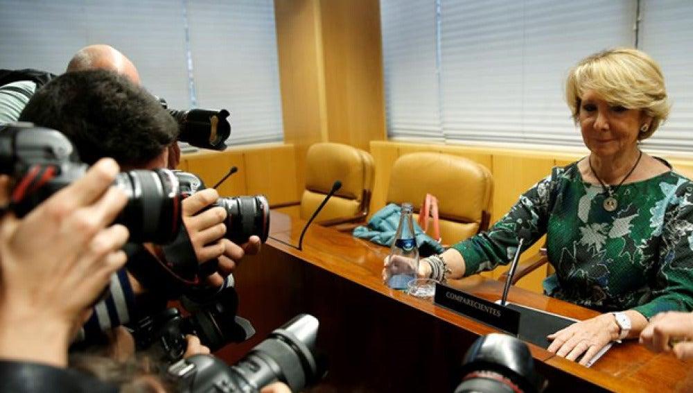 Esperanza Aguirre antes de su comparecencia en la comisión sobre corrupción