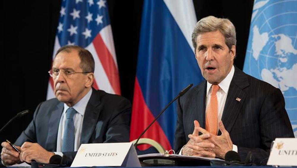 John Kerry,  secretario de Estado estadounidense, y Sergei Lavrov, ministro de exteriores ruso