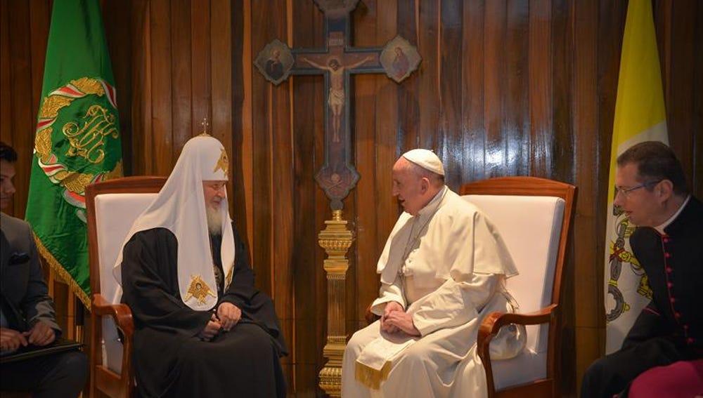 Así fue el histórico encuentro entre el papa Francisco y el papa ortodoxo en Cuba