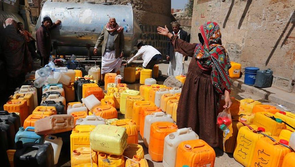 La ayuda humanitaria llega a Taiz tras meses de bloqueo