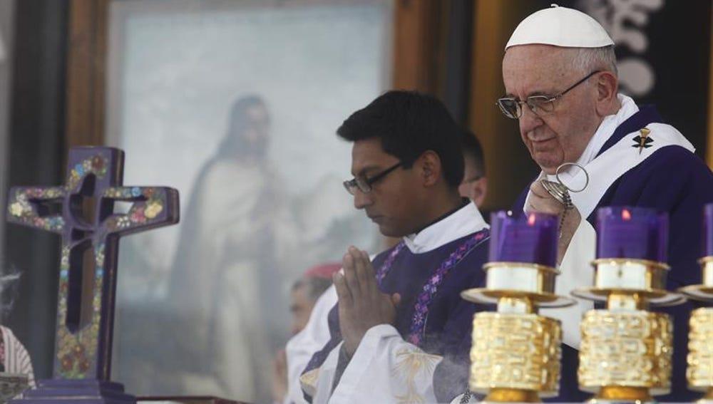 El papa oficia una misa en San Cristóbal de las Casa, Chiapas